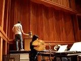 Meilleur instrument de musique : un marteau géant pour un concert de musique classique !