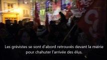 Grèves des agents de la Ville du Puy-en-Velay : les manifestants envahissent le conseil municipal