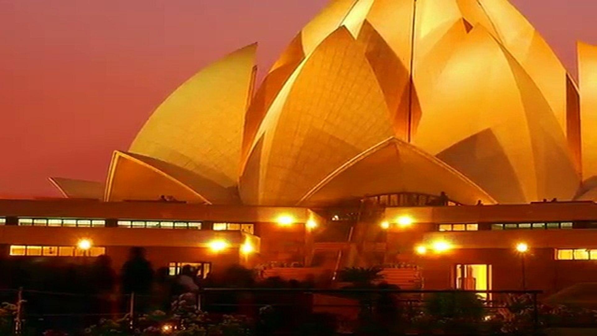 Lotus Temple - Bahá'í House of Worship -  New Delhi, India,