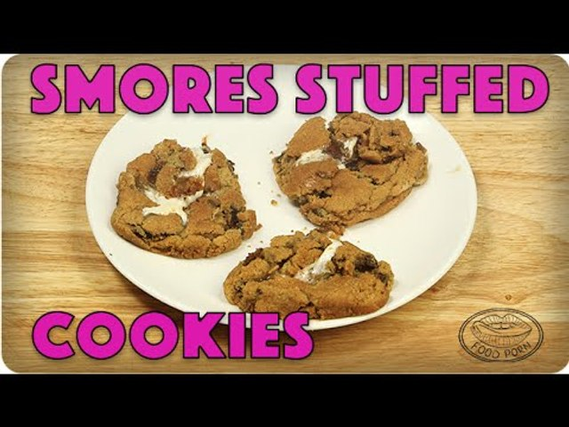Can't Decide On Dessert? Here's How To Make S'mores Stuffed Chocolate Chip Cookies! | #foodporn