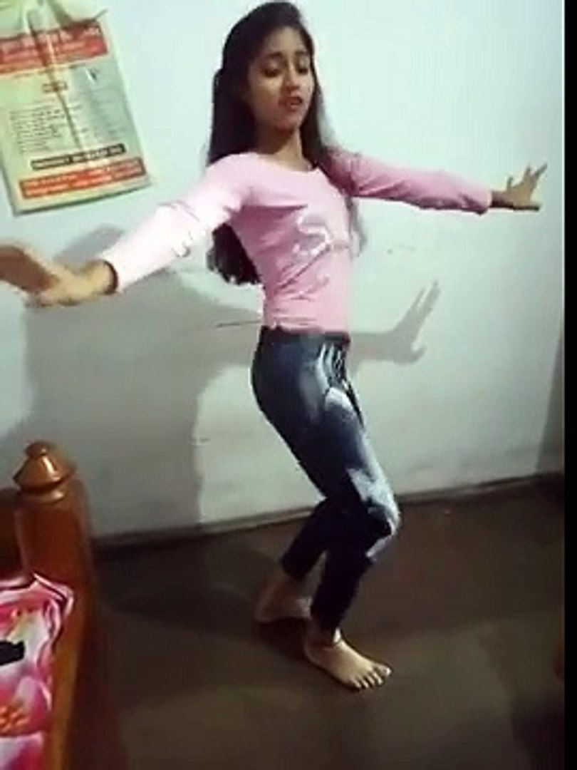 this is very sexy and beautiful dance for beautiful girl