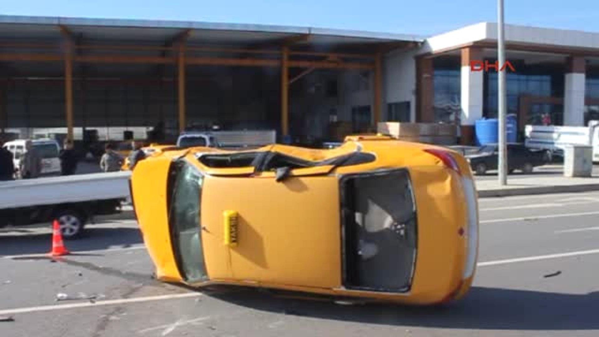 Antalya Taksi Takla Attı 1 Yaralı