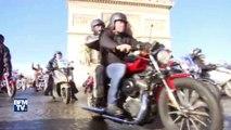 Hommage à Johnny Hallyday: 700 bikers ont défilé sur les Champs-Elysées