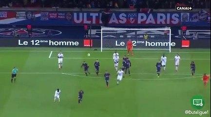 Le contre éclair de Kylian Mbappé qui marque dans le but vide !