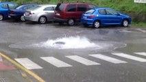 Primeros efectos de la borrasca Ana en Candás Asturias: alcantarillado a reventar