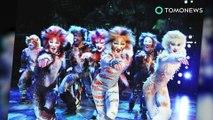 Anjing mengejar aktris berkostum kucing selama pertunjukkan 'Cats' - TomoNews