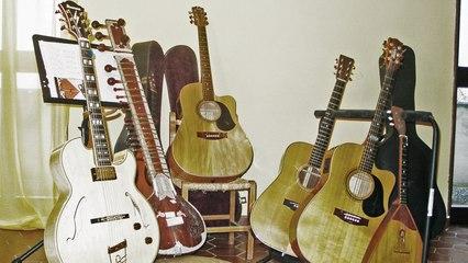 The Beatles Acoustic Trio - Help - Live