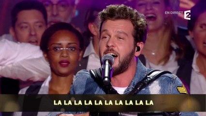 """Claudio Capeo et la chorale EDF interprètent """"Un homme debout"""""""
