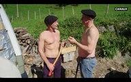 Jean Lassalle et Antoine de Caunes coupent du bois torse nu ! - La Gaule d'Antoine - Nouvelle Aquitaine