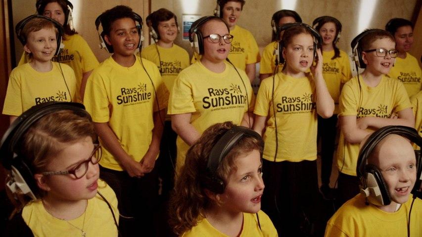 Michael Ball & Alfie Boe With The Rays of Sunshine Children's Choir & Friends - Bring Me Sunshine