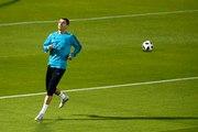 """Messi, Messi, Messi "" Quand Ronaldo se fait chambrer par les supporters d'al Jazira"