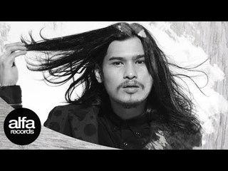Virzha - Jangan Simpan Rindu [Official Video Lirik]