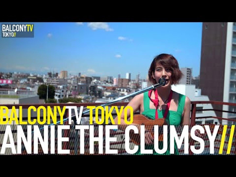 ANNIE THE CLUMSY - YOU ARE A MASSIVE WINKER (BalconyTV)