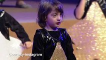 Shiny Star Abram dances on SRK's 'Yeh Taara, Vo Taara' song