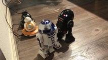 Comment fonctionnent les jouets droïdes R2-Q5 & R2-D2?