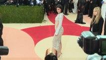 Quand Kylie Jenner va-t-elle accoucher? Khloé Kardashian est-elle vraiment enceinte? On a la réponse!