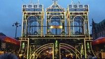 historischer Roncalli Weihnachtsmarkt  2017 vor dem Hamburger Rathaus