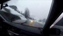 De retour du ski en France, ces jeunes roulent n'importe comment et se crashent