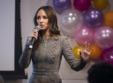Catt Sadler Quits E! News After Learning Co-Host Makes Almost Double Her Salary
