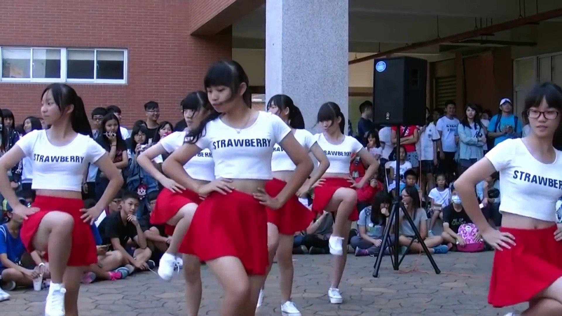 女子中学生パンチラ