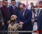"""الرئيس يقدم ابن الشهيد """"منسى"""" لرفع ستار كوبرى والده العائم بقناة السويس"""