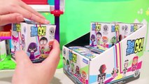 Juguetes sorpresa Mystery Minis Funko y cuartel de Teen Titans Go! - Super Juguetes BAM!