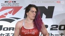 Sa réaction quand elle se rend compte que son adversaire est bien pus costaud qu'elle!
