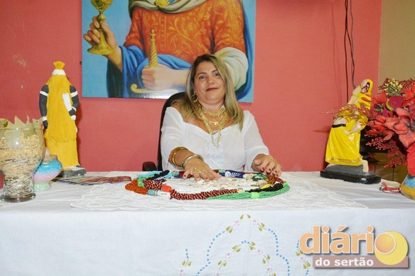 Astróloga Severina Bárbara faz previsões para 2018