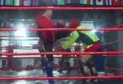 Il n'aurait jamais dû défier un entraineur de Muay Thai en 1vs1 !