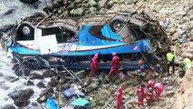 Al menos 36 muertos al caer un autobús a un abismo en Perú