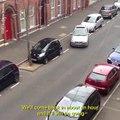 Pire façon de garer sa voiture en créneau... Permis raté !