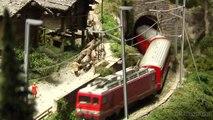Réseau H0 avec des trains en miniature de la Suisse - Une vidéo de Pilentum Télévision sur le modélisme ferroviaire avec des trains miniatures