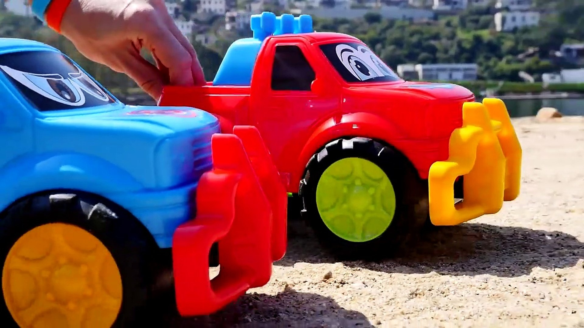 BEACH JEEPS! - Toy Trucks Seaside Stories for Children - Toy Cars Videos for Kids - Toy Tr