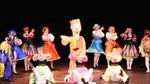 """Extraits du spectacle """"En Piste"""" par le groupe folklorique """"Nice La Belle"""" - 2/5"""