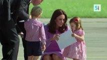 La princesse Charlotte d'Angleterre toute mignonne pour son premier jour de crèche