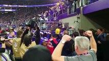 La foule devient folle après le Touchdown des Minnesota Vikings !