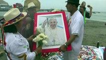 Pérou : des chamans réalisent un rituel avant l'arrivée du pape
