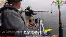 Etats-Unis : Un énorme bateau fonce sur des pêcheurs, la séquence choc (vidéo)