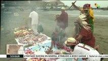 Chamanes peruanos realizan ritual de bienvenida para el papa Francisco