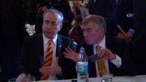 Mustafa Cengiz, Zaferini Cemiyette Kutladı