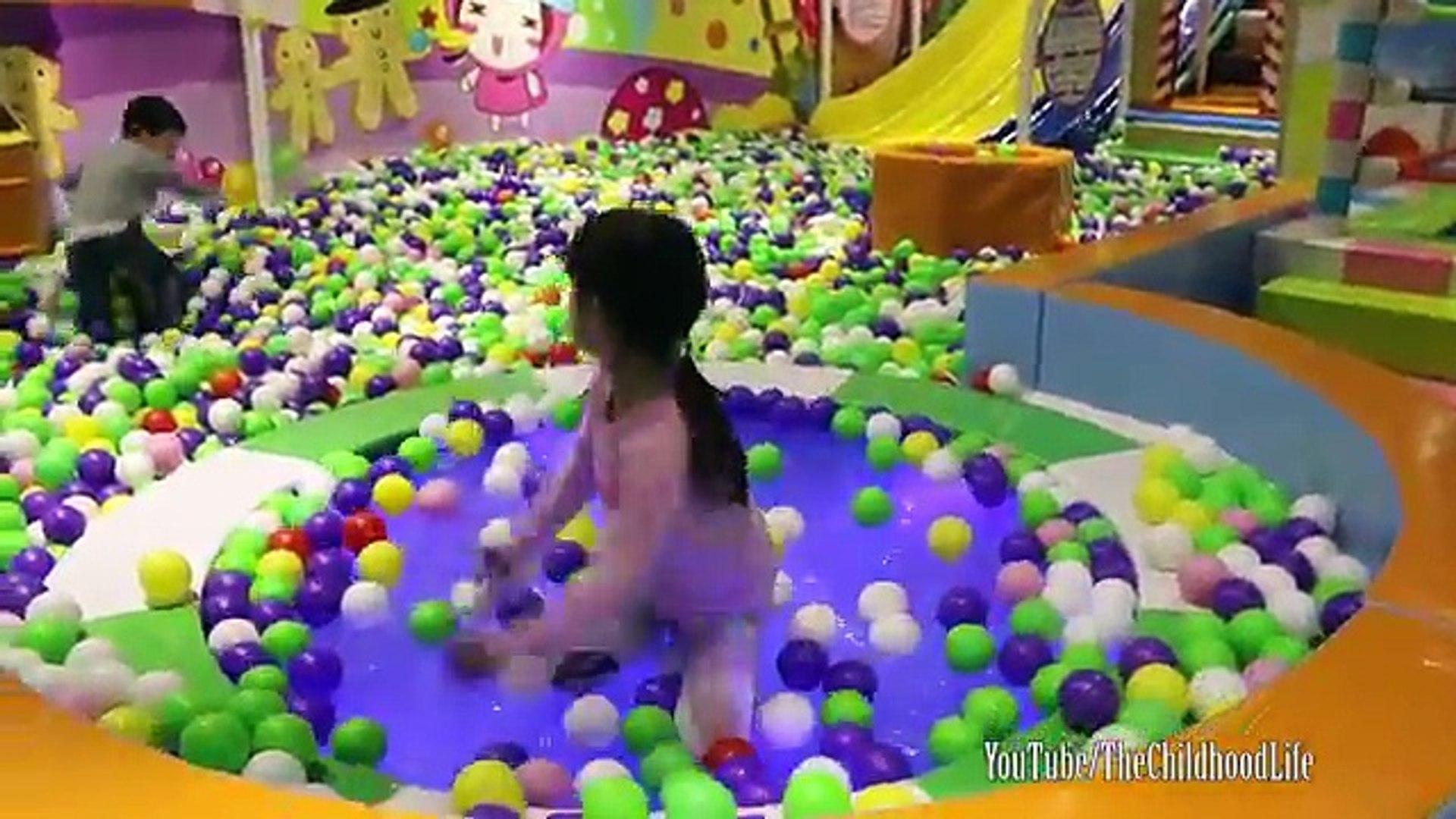 Indoor Playground Family Fun Kids Real Life show Play Centre Slides Balls Playground Kids Song