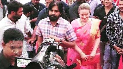 Pawan Kalyan With His Wife Anna Lezhneva At Trivikram Wife's Bharathanatyam Program