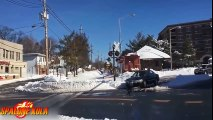 Rien n'arrête les trains en russie même pas 3 mètres de neige !