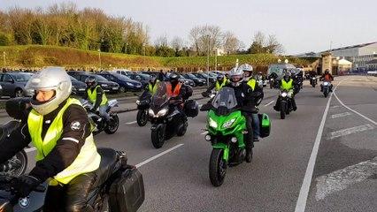 Le cortège de près de 300 motos au départ de Cherbourg