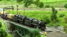 Grand réseau HO avec des locomotives à vapeur et avec des trains miniatures - Une vidéo de Pilentum Télévision sur le modélisme ferroviaire avec des trains miniatures