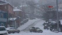 Ardahan Kar Yağışı Köy Yollarını Kapattı