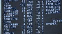 Caixabank y Sabadell encabezan las pérdidas del Ibex tras presentar resultados