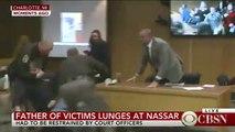 En direct, à la télévision, le père de trois victimes se jette sur Larry Nassar accusé d'agressions sexuelles