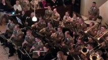 Cet orchestre joue Game of Thrones en regardant le générique ! tranquille...