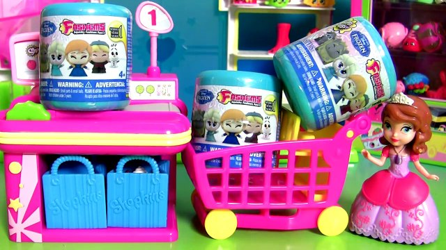 Sofia Shopping for SHOPKINS - Princesinha Sofia foi Comprar Shopkins Fashems Toys Disney Frozen
